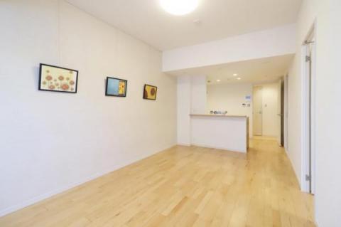 18.5畳の広いLDK。家具の配置が考えやすい間取で、空間を有効に使うことができます♪